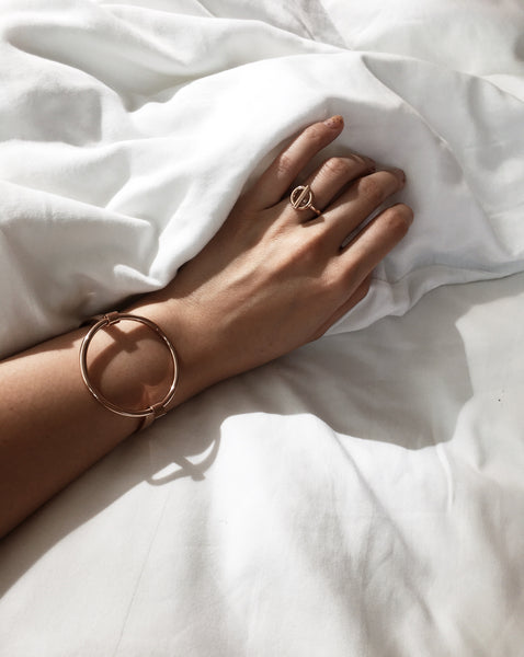 FABIENNE Circle Bangle in Rose Gold - The Hexad Jewelry