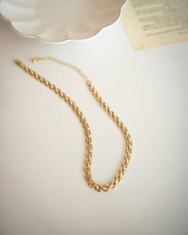 Golden chains and necklaces for every fashion occasion - THEHEXAD's Tetris Choker