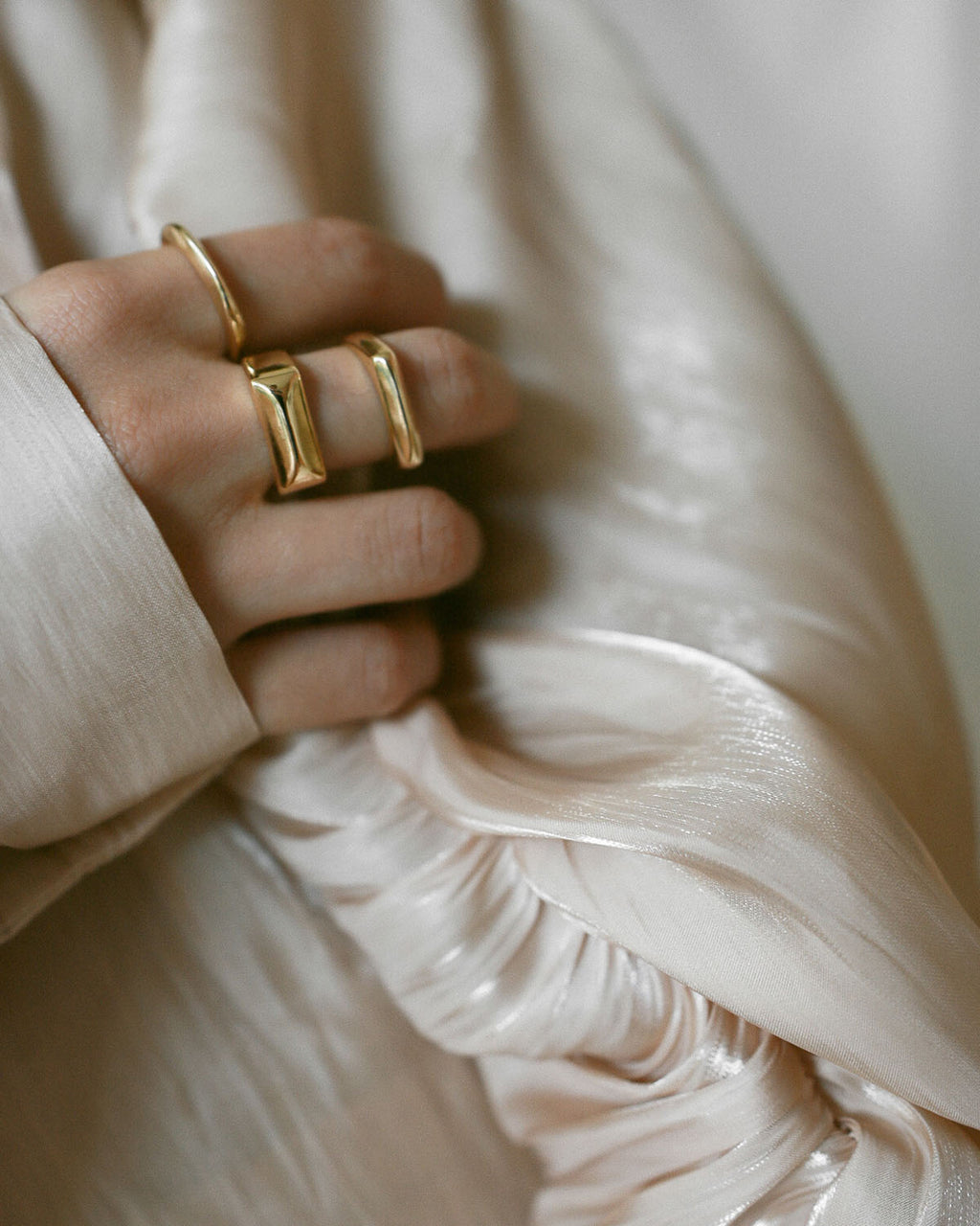 Layer effortlessly with the Sage rings that come in a set of 3 - www.thehexad.com