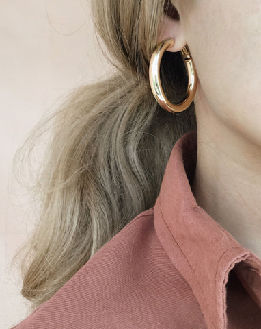 Lightweight statement gold-plated hoop earring in 38mm diameter and 5mm thickness - TheHexad