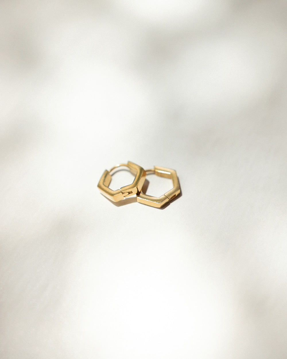 Minimalist style jewellery for both women and men from modern accessories label The Hexad
