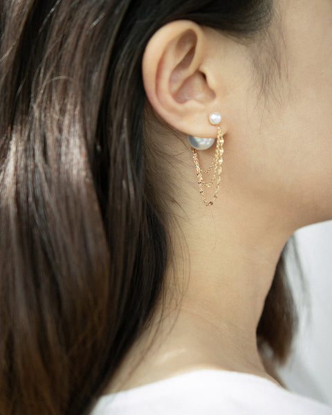 Pearl and chains tyle dangle earrings for dramatic effect @Thehexad
