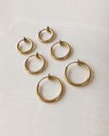 Retractable hoops in gold - 14mm, 16mm and 18mm diameter - The Hexad