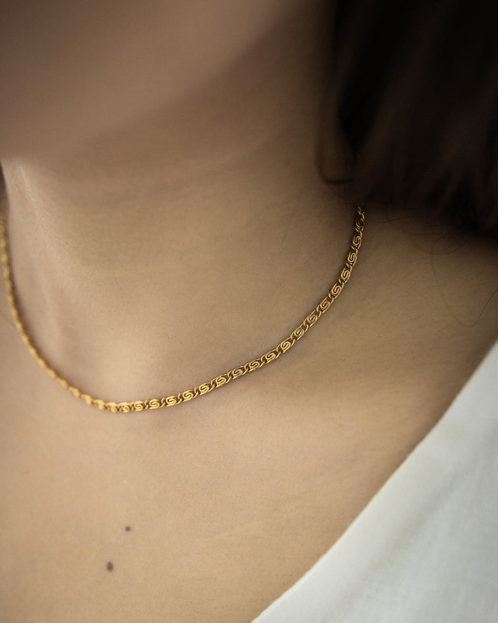 Rosette chain necklace in Gold by The Hexad