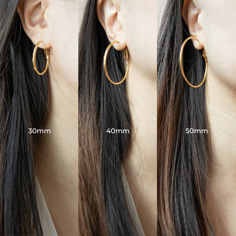 Saki hoop earrings size comparison - The Hexad Jewelry