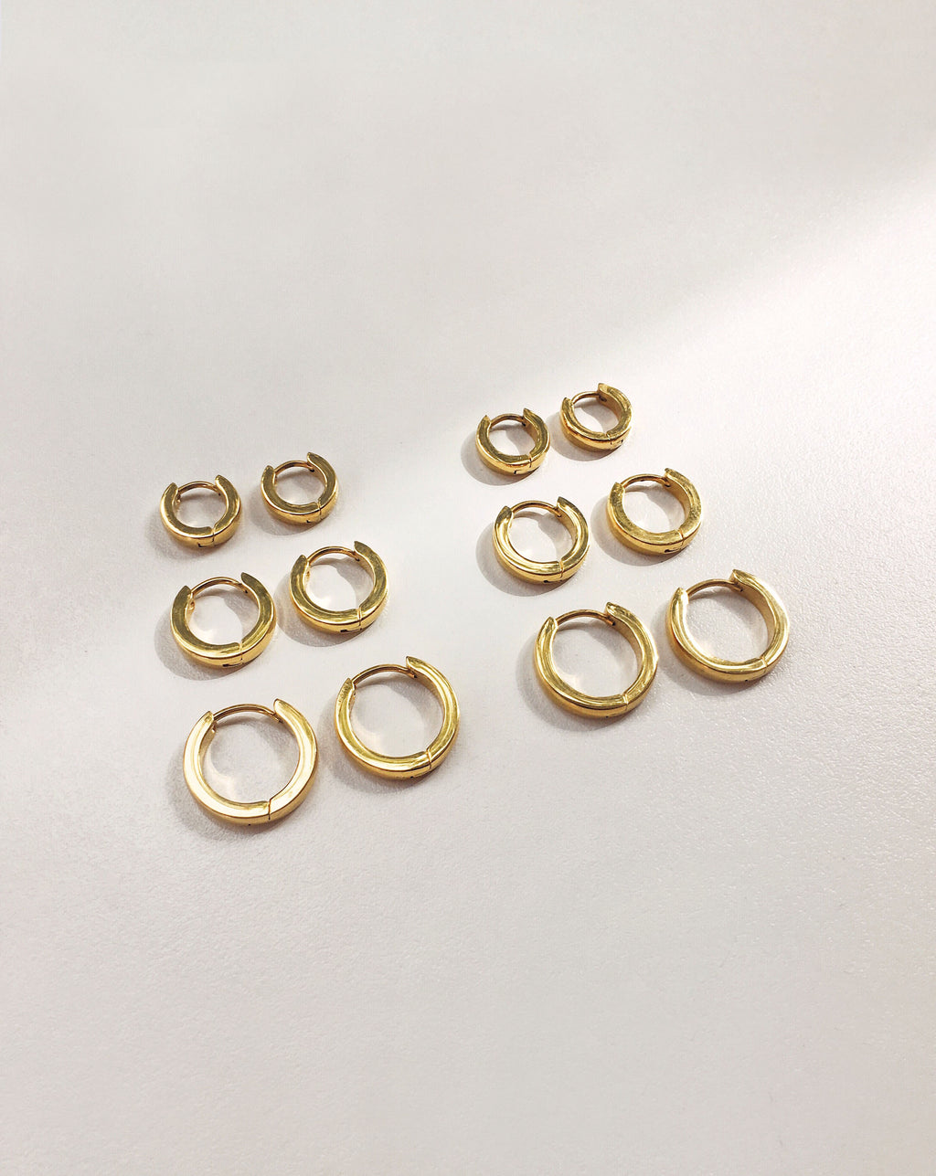 Set of 3 continuous gold hoop earring with 3mm thickness - Ise Mini Hoops by TheHexad