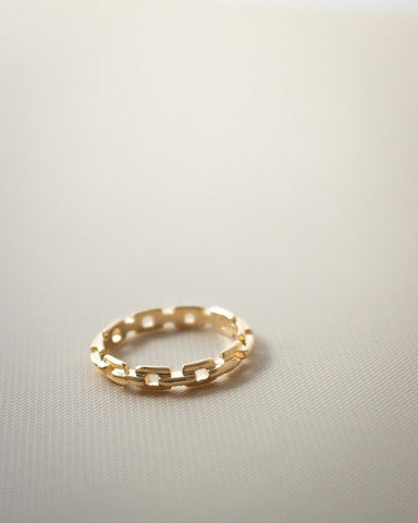 Skinny gold chain ring by The Hexad