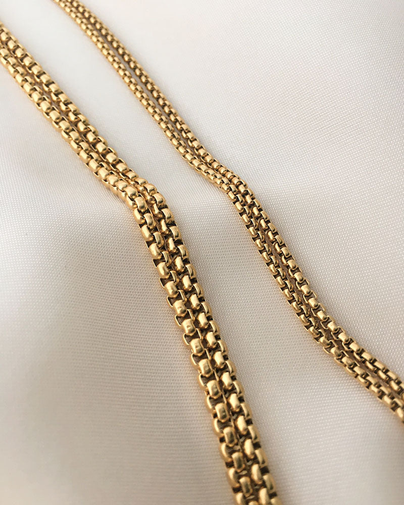 Square type golden chain necklace for layering | The Hexad Jewelry