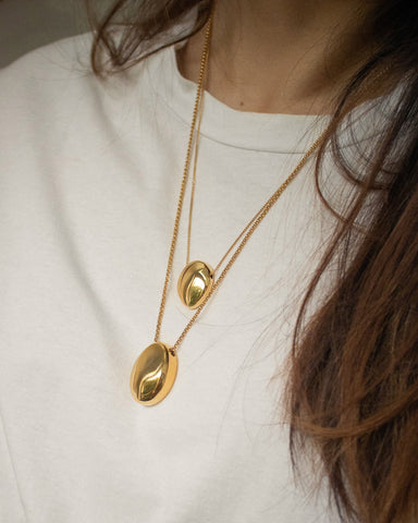 Stacking on multiple bold necklaces - The Gaia and Pebble Necklace @thehexad