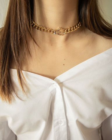 Statement choker necklace in gold - the Belt Chain by THE HEXAD