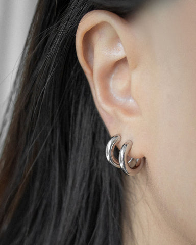 Thick c-shape silver hoops @thehexad jewelry