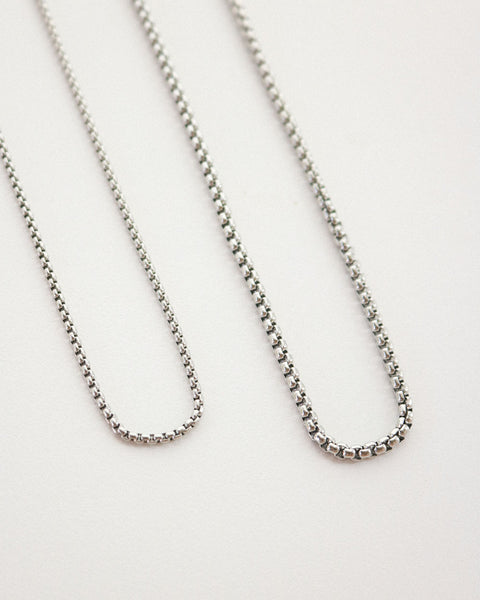 Versatile box chain with lobster clasp crafted in silver plated stainless steel - The Hexad Jewelry
