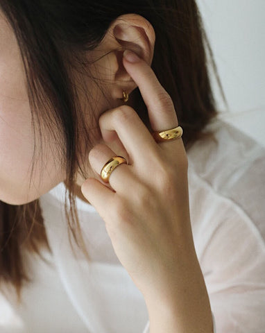 Vintage gold chunky rings by THEHEXAD