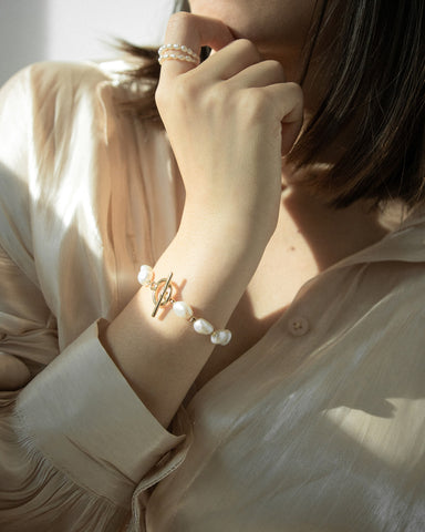 chic baroque pearl bracelet by The Hexad