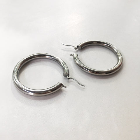 Silver hoops with hinged closure 5mm thick earrings - The Hexad Jewelry