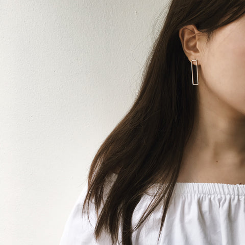 minimal hollow rectangle earrings