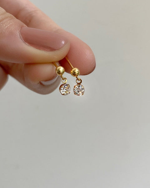 simple dangle earring with single drop diamond by the hexad