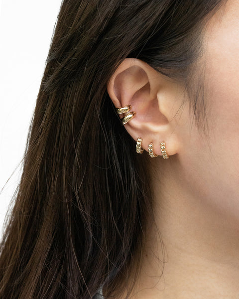 style inspiration for ways to wear multiple hoop earrings @thehexad