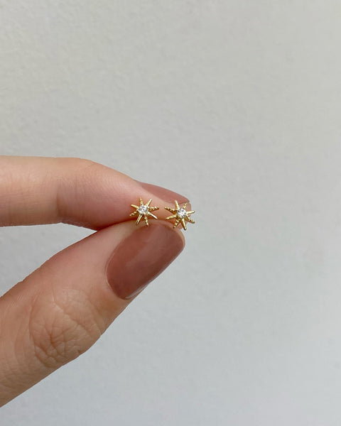 super tiny starburst ear studs in S925 @thehexad