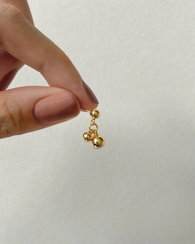 tiny spheres dangling earrings designed by @thehexad