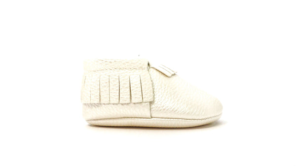 Moccasins | White Pearl
