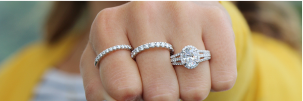 Oval Cut Diamond Buying Guide: Jeweler Tips