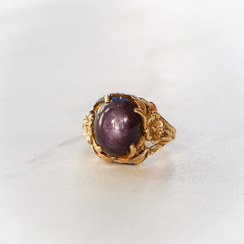 Antique 14k Yellow Gold Floral Ring with Purple Star Sapphire