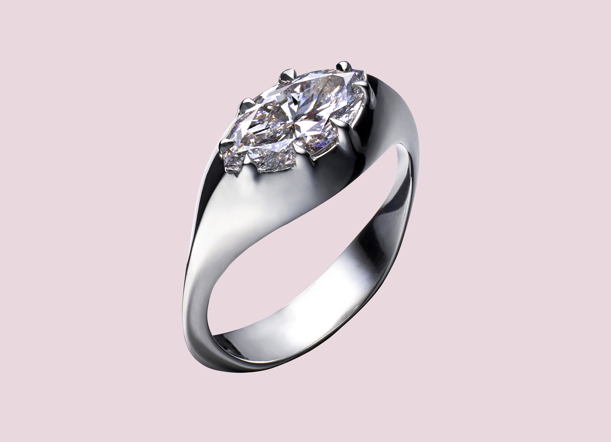 NAVETTE DIAMOND RING