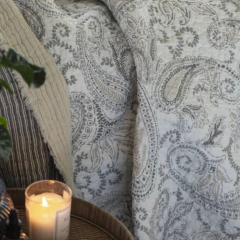 Grey and White Paisley Quilt by IB Laursen