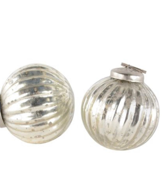 Mini Ribbed Antique Silver Bauble