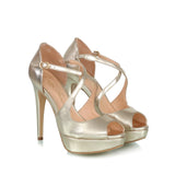 Metallic leather plataform sandals, gold