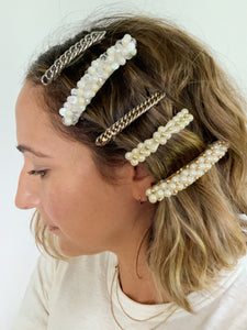 OVERSIZE CLEAR AND PEARL FRENCH BARRETTE