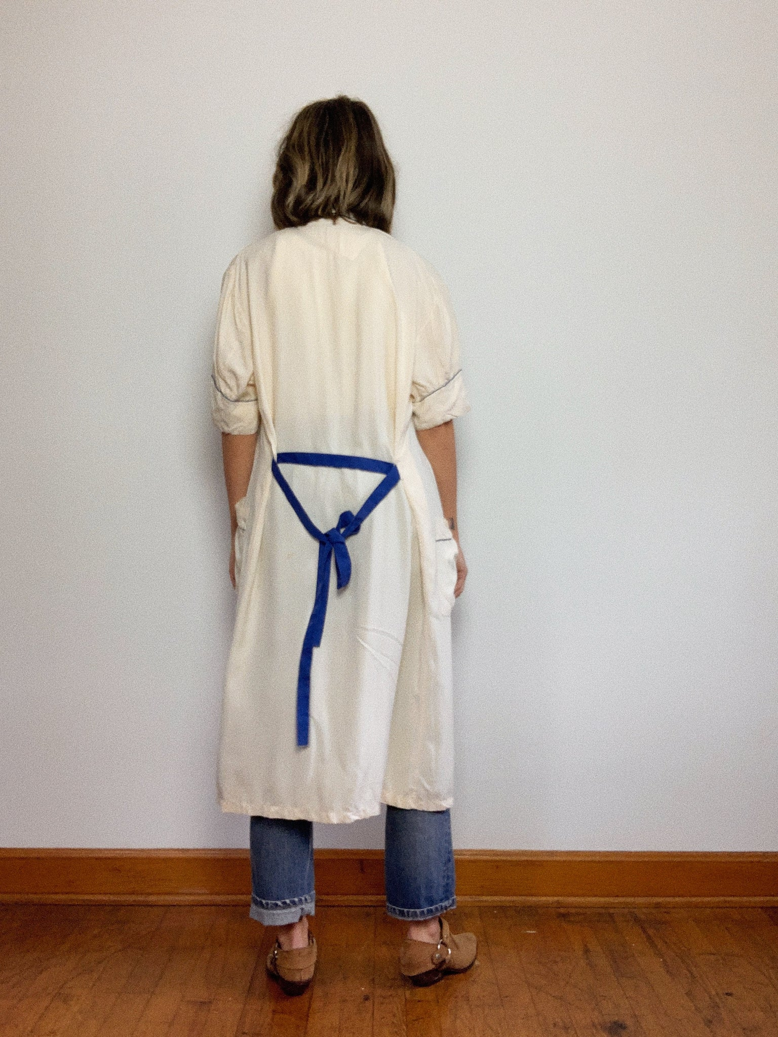 BLUE HAND EMBROIDERED ROBE / SMALL