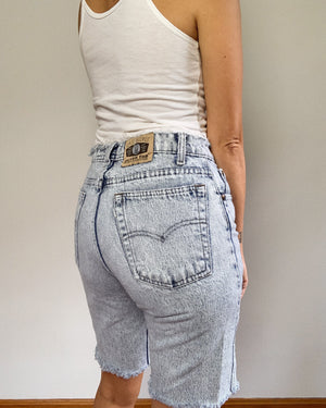 THE LONG DENIM SHORT / 28""