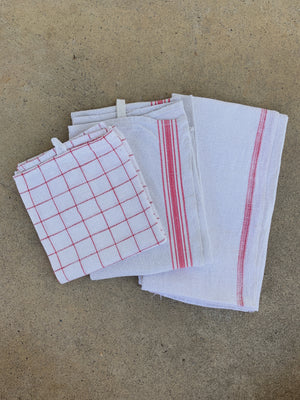 RED GRAPH AND LINE TOWEL, SET OF 3