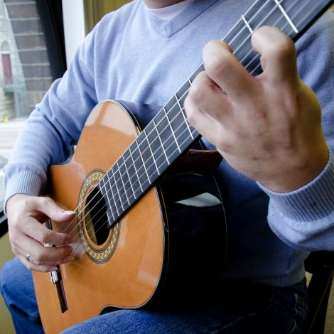 Adult Beginner Guitar Lessons (Ages 18+) -- September 25-November 13, 2018, 6:00pm-7:00pm
