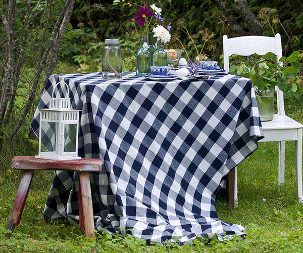 tablecloth square table