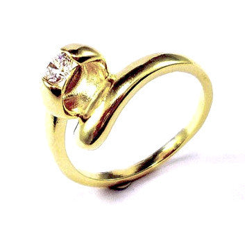 18ct Gold Plated Elegant Ring with Cubic Zirconia Effect