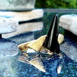 18ct Gold Plated Ring with Black Stone Effect Cone
