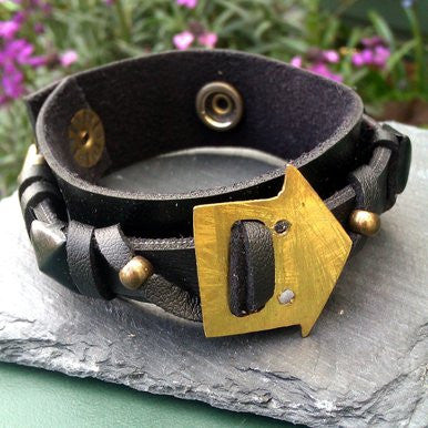 Black Metal Studded Leather Bracelet with Arrow Ornament
