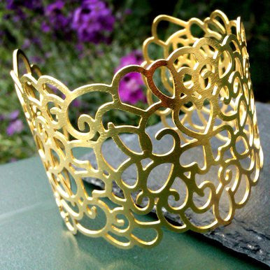 18ct Gold Plated Heart Motif Cuff
