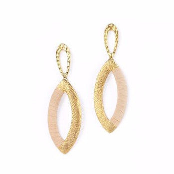 Gold Plated Oval Shaped Metal Earrings with Buriti Palm Straw Detail