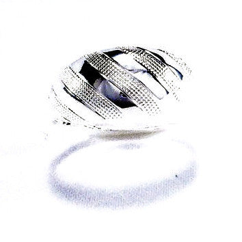 Silver Plated Elegant Striped Design Ring