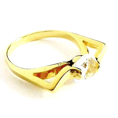 18ct Gold Plated Ring with Cubic Zirconia Effect