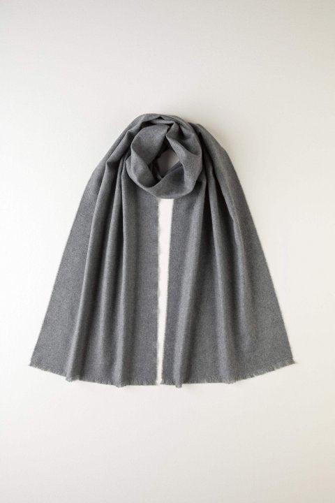 JOHNSTONS OF ELGIN - PLAIN GREY MERINO SCARF