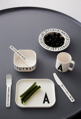 Design Letters Classics in a Suitcase Tableware Set A-Z - Scandibørn