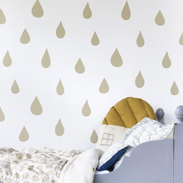 Hibou Home - Raindrops wallpaper in Gold - Scandibørn