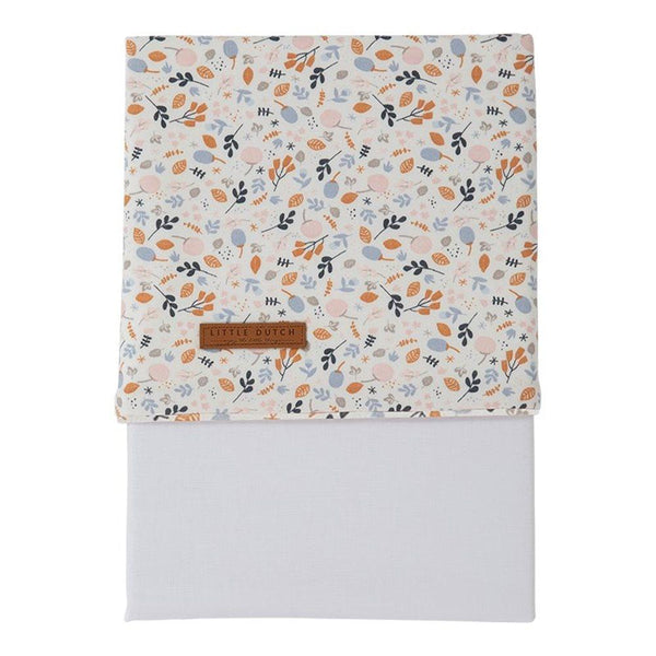 Little Dutch Cot Sheet in Spring Flowers (110 x 140cm) - Scandibørn