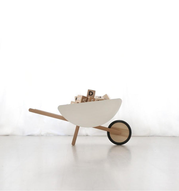 Ooh Noo Toy Wheelbarrow - Scandibørn