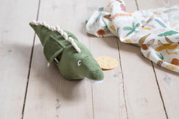 Sebra Velour Activity Toy - Ali the Alligator - Scandibørn